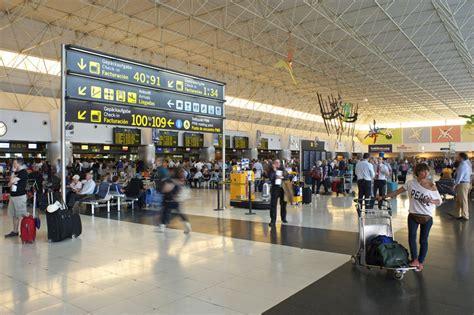 salidas aeropuerto las palmas los aeropuertos de tenerife sur y gran canaria inician una