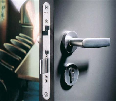 Security Door Locks For Homes by Do Not Neglect Your Basic Home Defense Install High