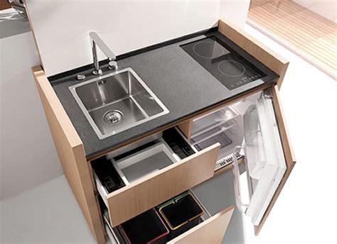 mini cucina compatta  iper accessoriata ideare casa