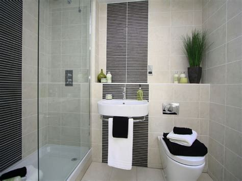small ensuite bathroom design ideas small ensuite bathroom designs thelakehouseva