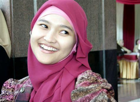 jilbab  cocok  wajah bulat tutorial hijab