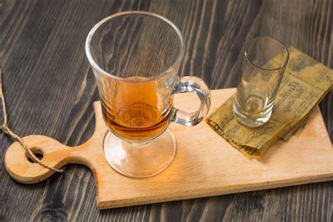 F U R L A Apple Pie 06fr612 apple pie cocktail recipe