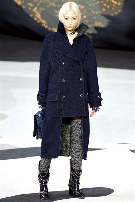 Winter At Chanel chanel fall winter 2013 2014 ready to wear show 2