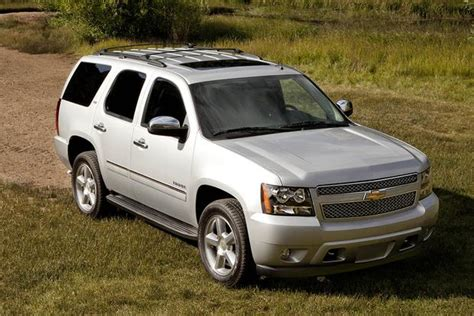 all car manuals free 2007 chevrolet tahoe user 2007 2014 chevrolet tahoe vs 2007 2014 ford expedition which is better autotrader