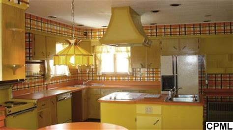 60s kitchen fashion in the 60s plaid combined with flowers in the