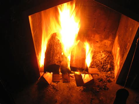 Fireplace Ashes In Compost by Fireplace Ashes In Garden The Benefits Of Wood Ash In