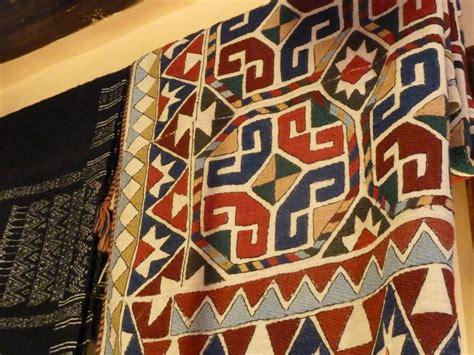 tappeti africani divani etnici idee per il design della casa
