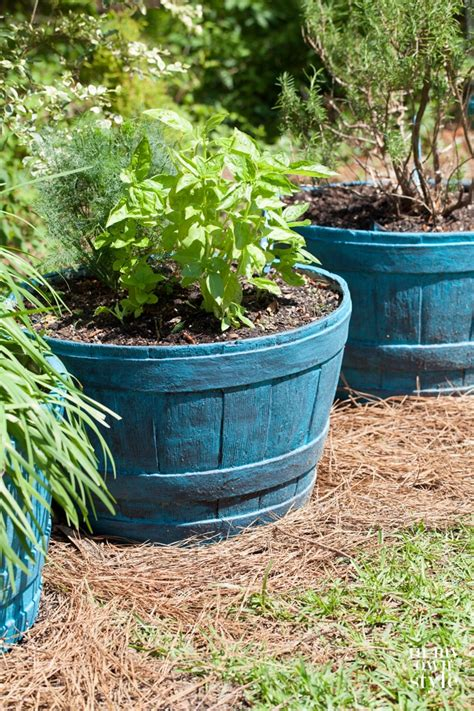 Painted Planter Pots by How To Paint Outdoor Planter Pots In Own Style