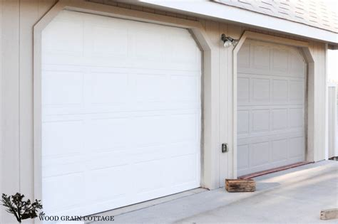 Garage Door Wood Trim by How To Paint Garage Doors Project Curb Appeal The Wood