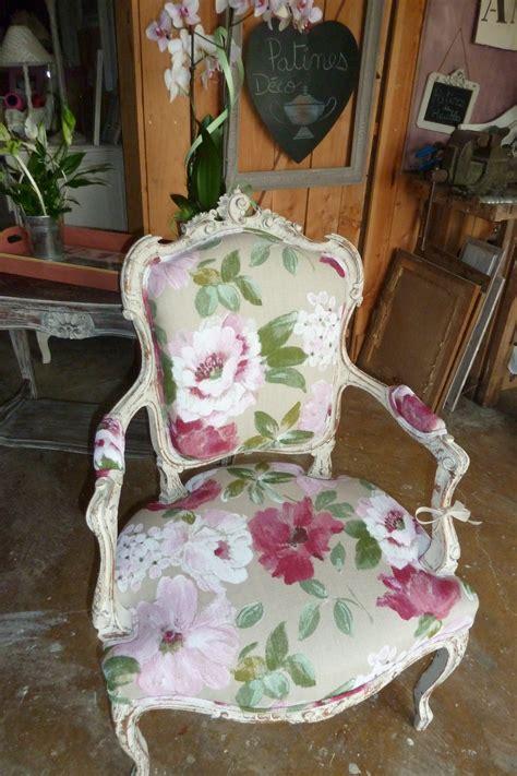 peindre un canapé en tissu peindre le tissu d un fauteuil 28 images comment