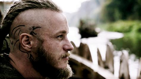 ragnar lothbrok tattoo norse raven tattoo cool tattoos pinterest ragnar