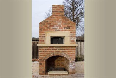 Outdoor Fireplace Pizza Oven Combo Masonry Barbecues And Outdoor Pizza Oven Fireplace Combo