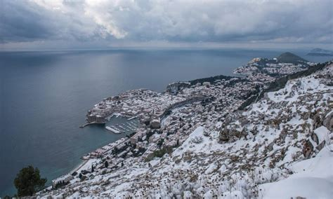 dubrovnik snow stunning photos snow fairytale in dubrovnik the dubrovnik times