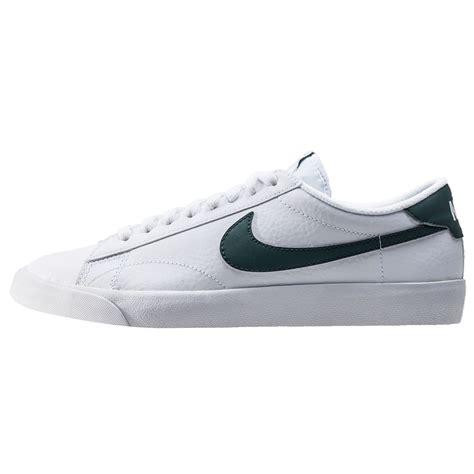 Nike Tennis nike tennis classic ac mens trainers in white green