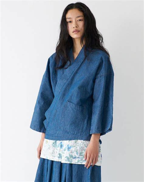 Blouse Wanita Merilis sebuah merk fashion terkenal jepang ciptakan baju unisex bertema samurai untuk pertama kalinya