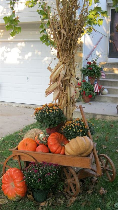 fall decorations with corn stalks rustic chic 27 corn husks d 233 cor ideas for fall shelterness