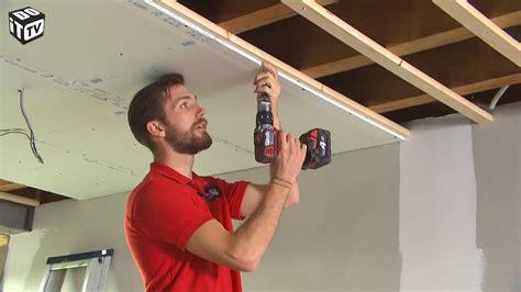 comment poser un plafond gyproc sur un lattis en bois on