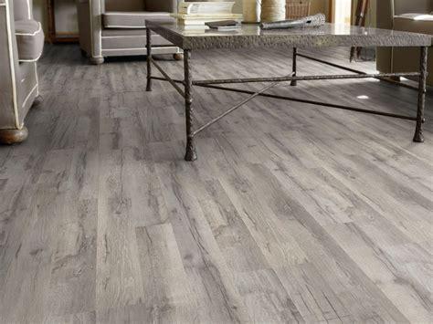 pavimenti in laminato opinioni pavimento in laminato effetto legno essential 832 731