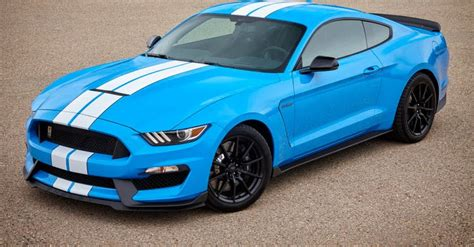 2017 shelby gt350 mustang debuts new standard features fresh colors