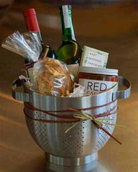 house warming gift 17 best ideas about housewarming gifts on pinterest housewarming basket gift