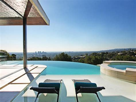 home infinity pool on the edge stunning infinity pools outdoor spaces