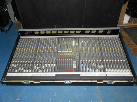 Mixer Allen Heath Gl3300 allen heath gl3300 32 8 8 2 image 1457676 audiofanzine