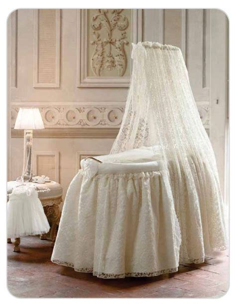 Luxury Baby Cribs Uk Antique Lace Bassinet Designer Wooden Baby Crib Luxury Moses Basket Bassinet