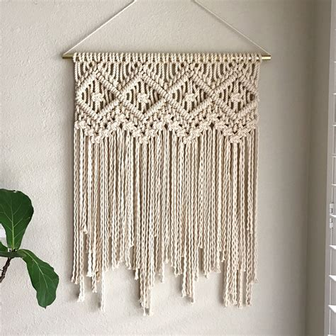 Macrame Shop - this macrame wall hanging pattern seems to be a shop