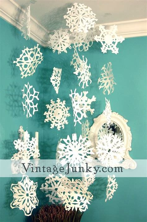 How To Make Really Cool Paper Snowflakes - paper snowflake guide it really works and they come out