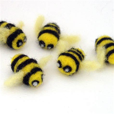 5 Needle Felted Bees Felt Bumble Bee Decorations Small Bumble Bee Ideas