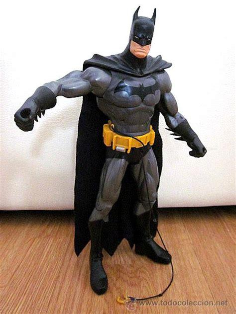 Bantal Batman Tm Dc Comics gran figura batman con gancho 32 cm grande a comprar otras figuras de goma y pvc en