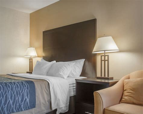 comfort inn st thomas on comfort inn st thomas in london hotel rates reviews on