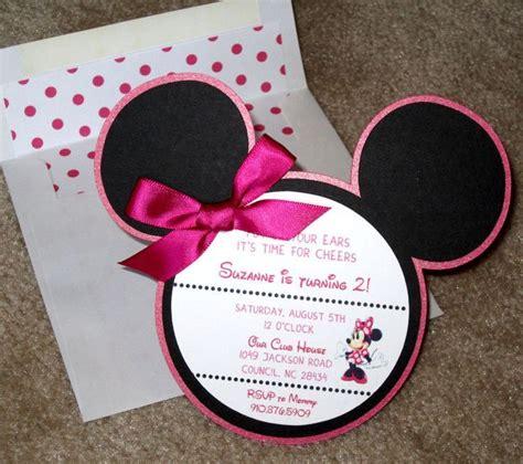 invitaciones de grado en fomix o goma eva invitaciones con tema de mickey y minnie mouse tarjeta