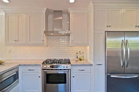 White Kitchen Subway Tile Backsplash Glossy White Subway Tile Backsplash Design Ideas