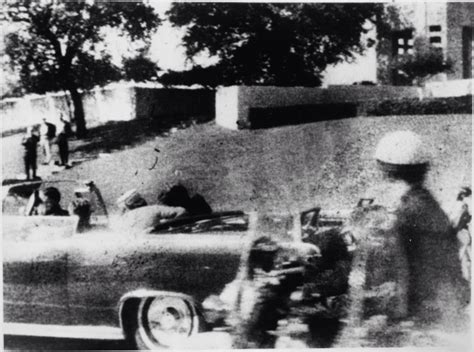 unexplained mysteries of the jfk assassination strange jfk assassination what did mary moorman s missing photo