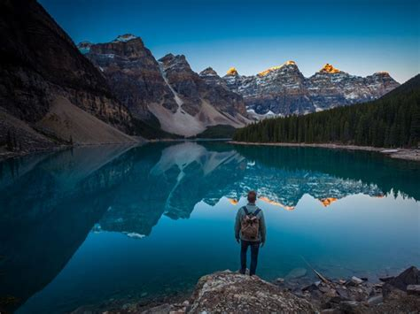 moraine lake  banff alberta alberta canada
