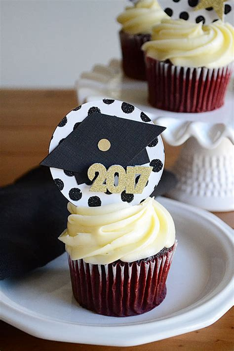 how to make graduation cap cupcake toppers storypiece