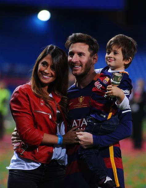 barcelona messi and antonella mrs messi block miss