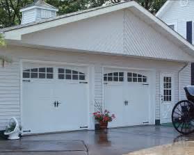 door garage to house chi carriage house garage door models 5250 5251 5950 and 5951