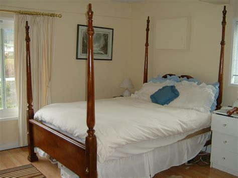 queen size mahogany  postercanopy bed  victoria victoria