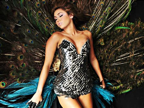 Miley Cyrus Vanity Fair 2008 Cant Be Tamed