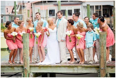 coral aqua wedding. I LOVE this color combo. So beachy
