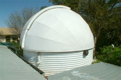backyard observatory trevor barry s backyard observatory abc news australian