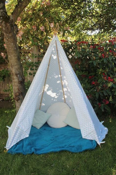 Backyard Teepee Tent by 5 Minute Teepee Projects For School Home