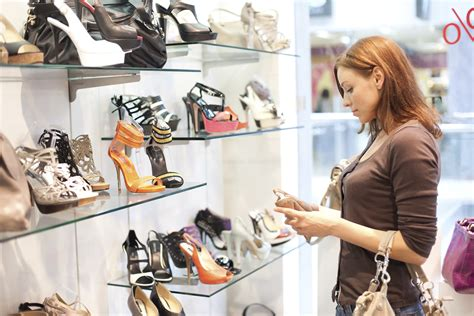 shoes shopping can proximity marketing save the shoe store one minute