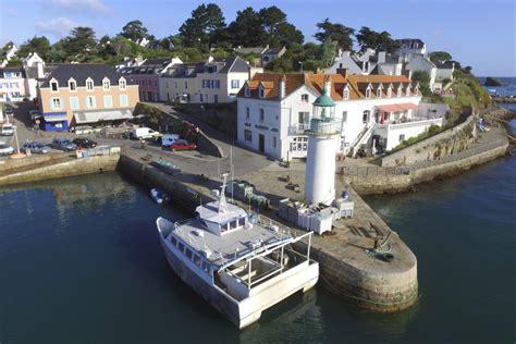 ferry quiberon belle ile port de sauzon belle 206 le en mer bretagne france