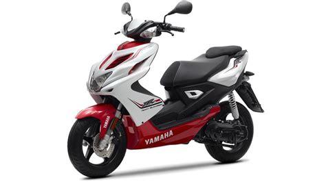 Yamaha Aerox Type S White Bekasi aerox r 2014 scooters yamaha motor scandinavia