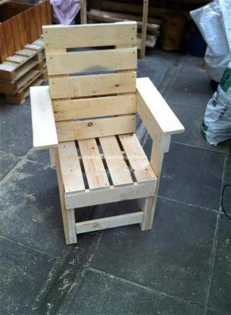 chairs made from wood pallets comfy recycled pallet chairs pallet wood projects