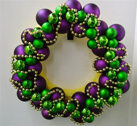 how do you earn at mardi gras make a mardi gras wreath celebrate decorate