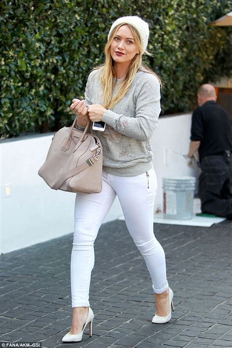 Hilary Duff Keeps Clothes On For Fhm by Hilary Duff Flashes Photo Of Luca On Phone